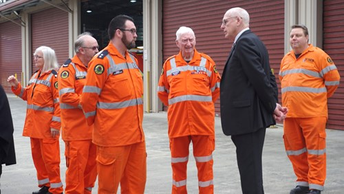 Senator Jim Molan with NSW SES Volunteers